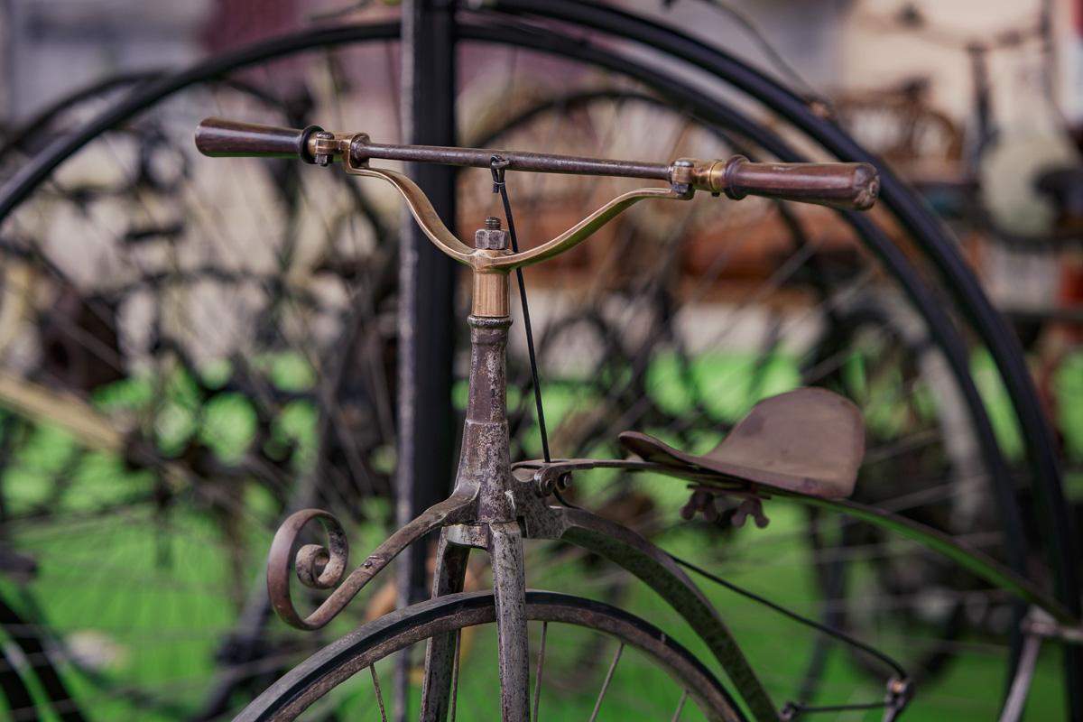 Vélocipède de 1870... très beau... photo Nöt